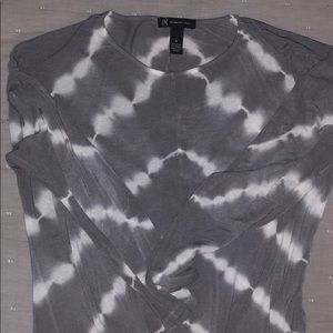 Med white and grey tie die top